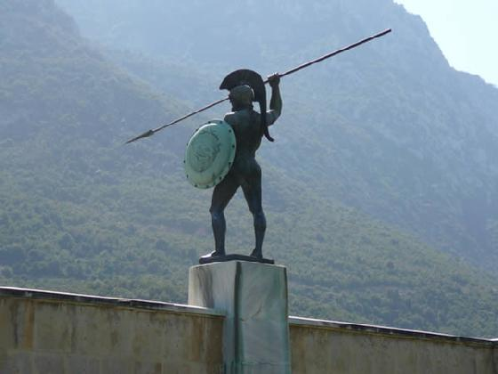 Spartan Statue from thegreekwarriors.com